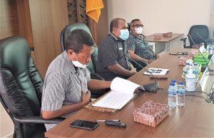 Kepala Bappeda, Plt SEKDA dan Asisten I dalam Pembahasan Awal RPJMD