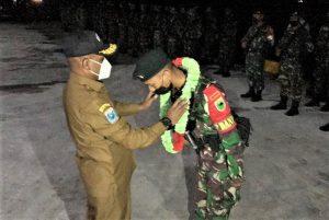 Wakil Bupati Menerima Personil Satgas TNI Yonif RK.762/VYS