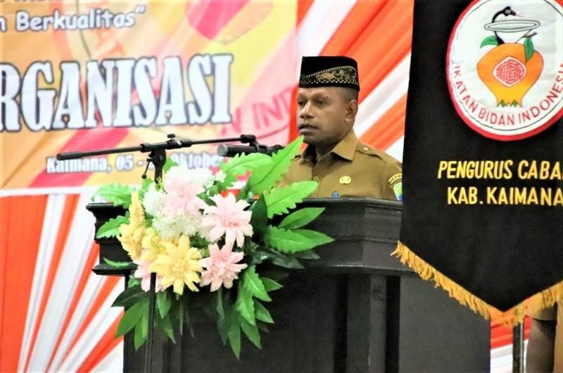 WAKIL BUPATI KAIMANA HADIRI PEMBUKAAN MUSCAB III IKATAN BIDAN INDONESIA (IBI) CABANG KAIMANA